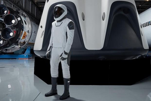 SpaceX dosahuje důležitého milníku při bezpečnostních testech Crew Dragon
