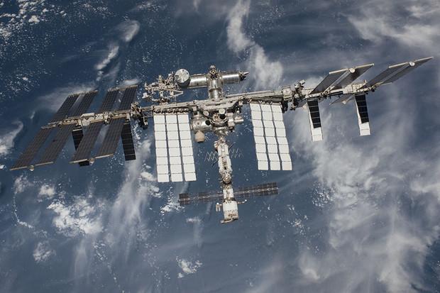 ISS dostala vylepšené připojení. Jak rychlý mají kosmonauti internet?