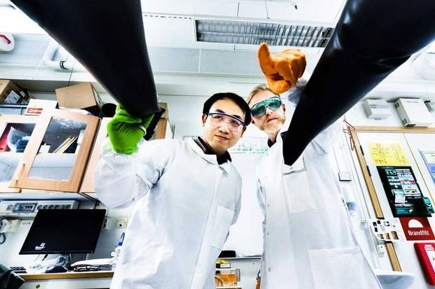 Švédští vědci vyvinuli solární články, kterým stačí světlo v místnosti