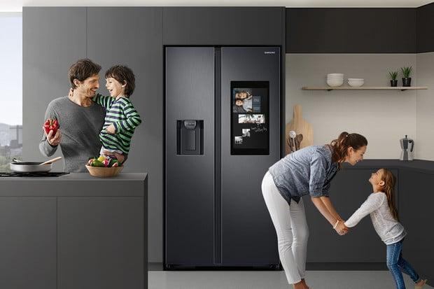 Chytrá chladnička Samsung Family Hub je nově dostupná i v Česku