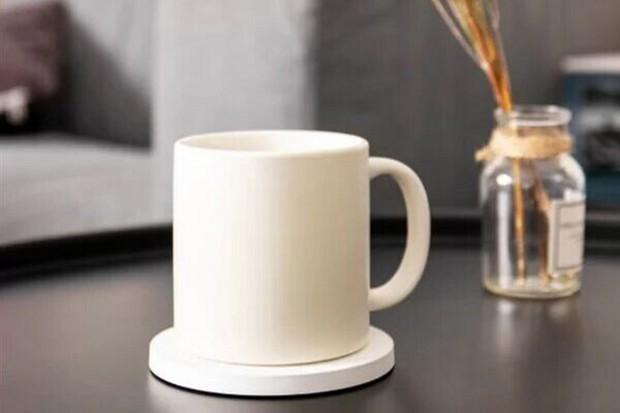 Tato podložka od Xiaomi vám dobije mobil i ohřeje čaj