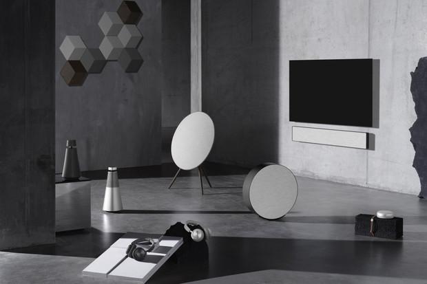 Když chcete něco víc. Bang & Olufsen představuje Contrast Collection