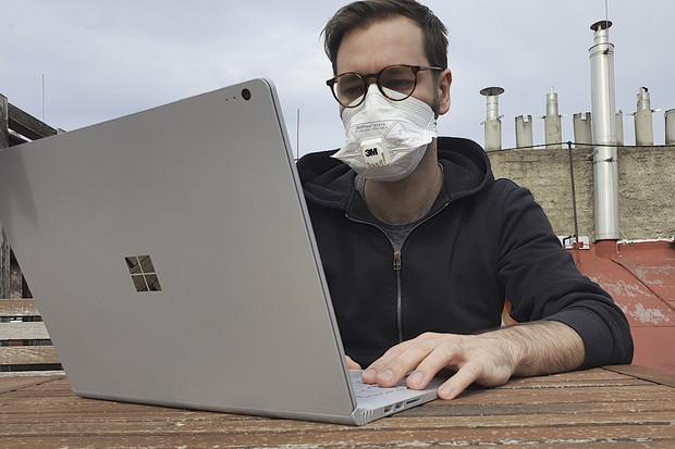Nejčastější mýty o koronaviru: nenaleťte babským radám na internetu