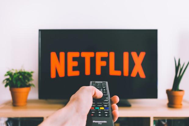 Které seriály z HBO GO a Netflixu byste si neměli nechat ujít?