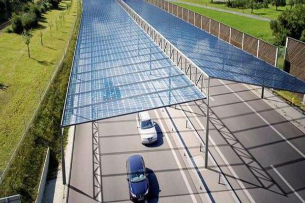 Dálnice může být zelenější díky fotovoltaickým střechám