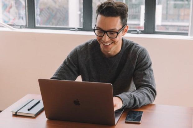 Chytré brýle s umělou inteligencí chtějí bojovat proti prokrastinaci