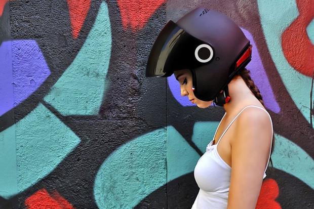 Chytrá motorkářská helma vám může zachránit život