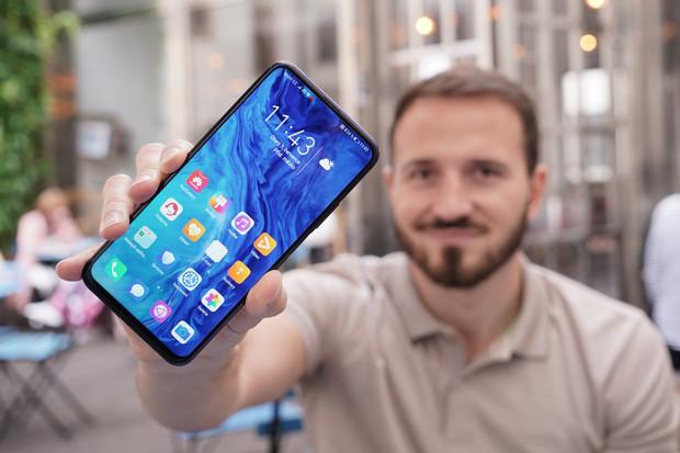 Bezkontaktně platit už můžete i s telefony Honor a Huawei bez Google služeb