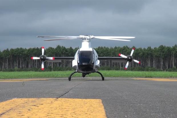Známý výrobce motocyklů Kawasaki otestoval svůj bezpilotní vrtulník