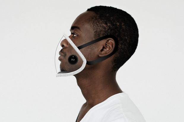 Social Mask je průhledná rouška, která detekuje patogeny ve vzduchu