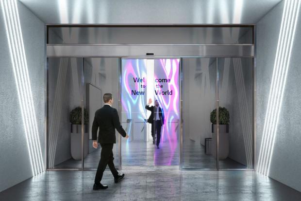 Automatické posuvné dveře s OLED displejem vás přivítají v obchodě