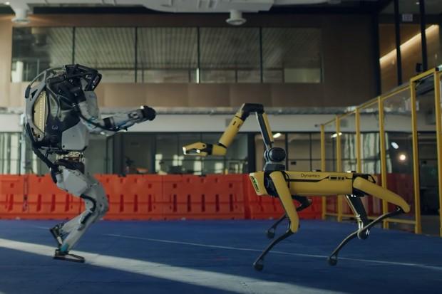 Podívejte se, jak roboti z Boston Dynamics oslavili konec roku