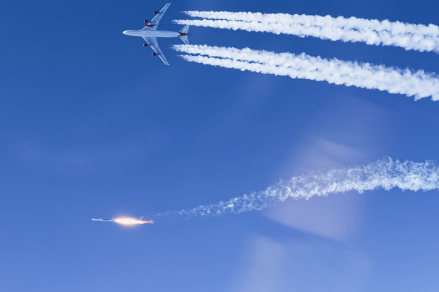 Raketa společnosti Virgin Orbit vypuštěná z letadla dosáhla oběžné dráhy