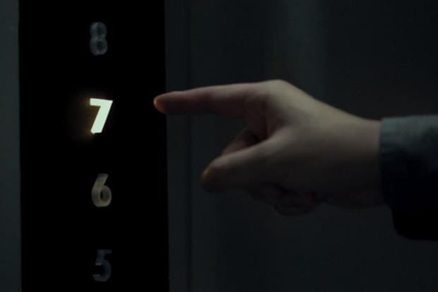 Bezkontaktní technologie vám umožní zmáčkout tlačítko výtahu i bez dotyku
