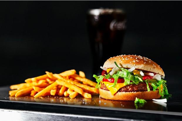 McDonald's testuje v Dánsku a Švédsku McPlant burger