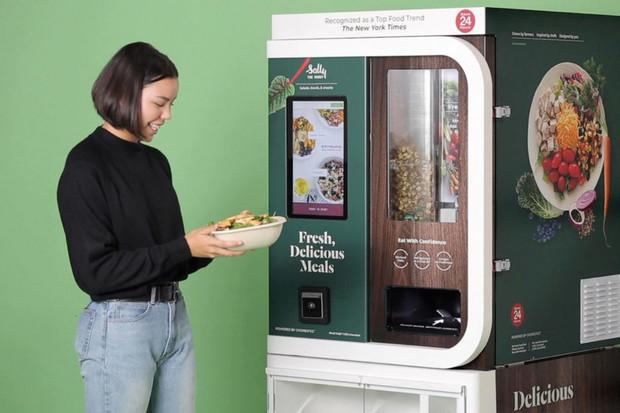 DoorDash přiveze Američanům salát, který připravil robot