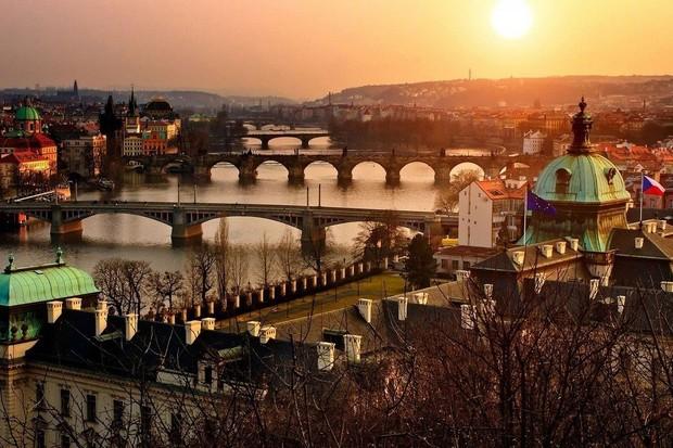 43 soutěžních týmů se sejde na online konferenci, aby pomohly Praze s inovacemi