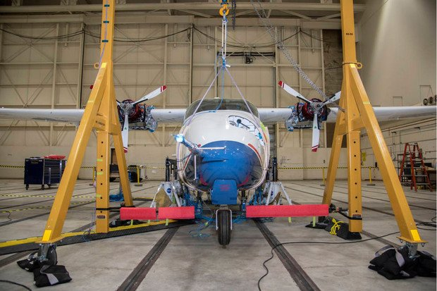 NASA začíná testovat elektrické letadlo X-57 Maxwell