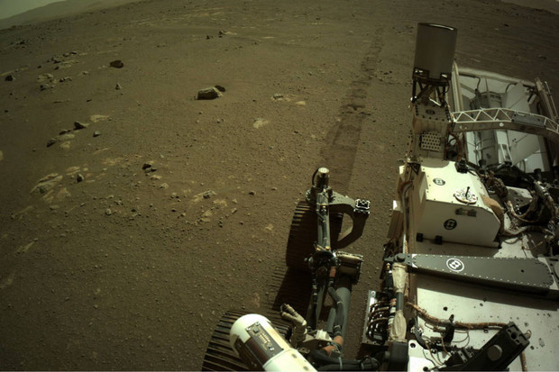 Rover Perseverance zachytil zvuky své jízdy na Marsu