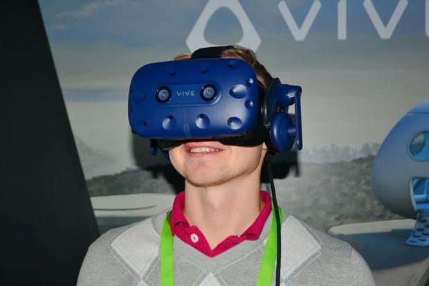 To nejlepší se stalo ještě lepším: vyzkoušeli jsme nové VR brýle HTC Vive Pro