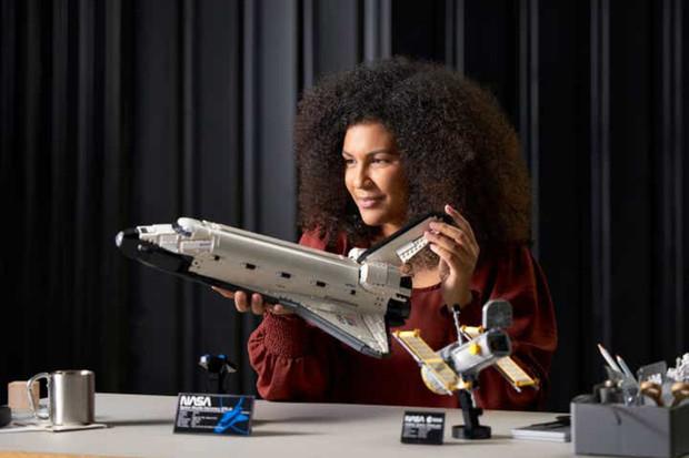 Nová LEGO stavebnice NASA Space Shuttle Discovery je určená dospělým