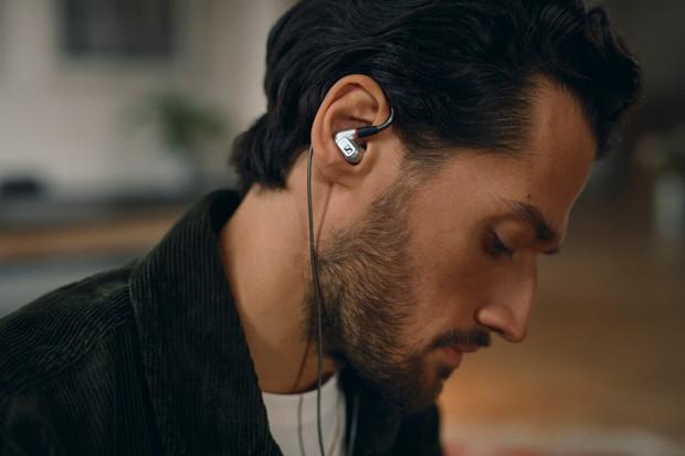 Sennheiser odhalil precizně zpracovaná sluchátka pro audiofily s vulgární cenovkou