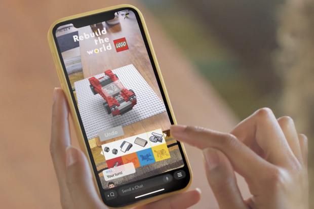 Nyní můžeme na Snapchatu stavět virtuální Lego s přáteli