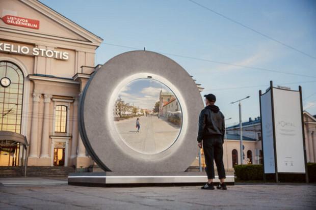Litevský Vilnius má portál, který jej propojil s jiným městem