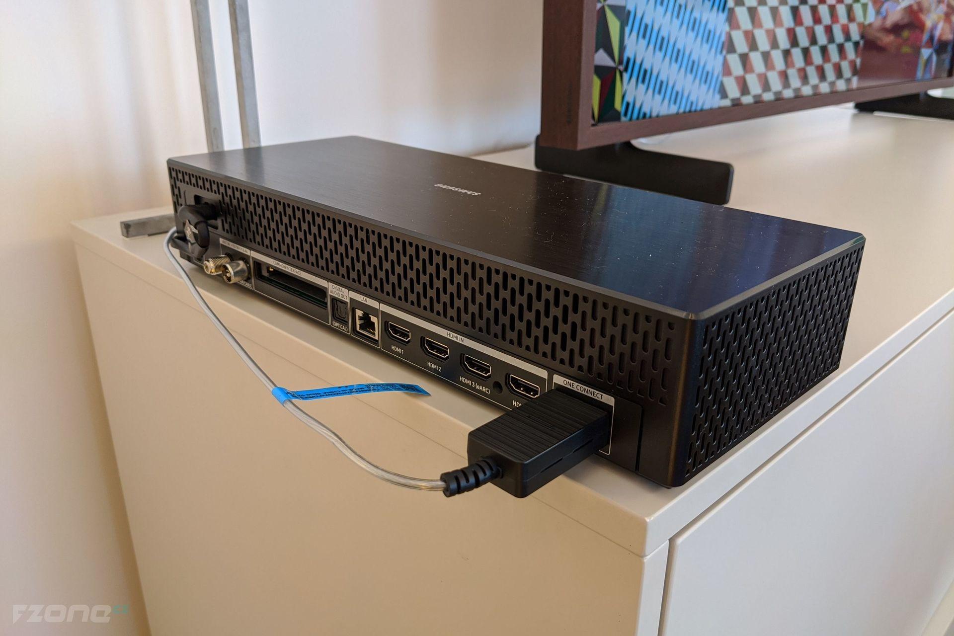 """One Connect Box k televizoru The Frame (s výjimkou 32\"""" varianty)"""